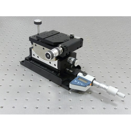 MDE883 - Elliot Gold™ Series Central Workstation with rotation, tilt and transverse motion