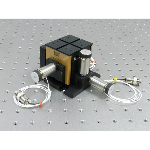 MDE123 - Elliot Gold™ Series XYZ Flexure Stage with Piezo Actuators: 25 µm Adjuster