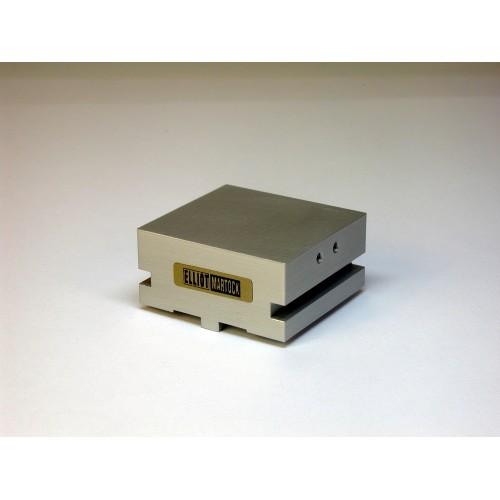 MDE741-30 - Waveguide/Device Holder - 30x15 mm Basic