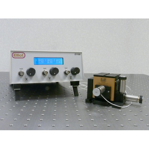 MDE623 - 3-Channel Piezo Controller with XYZ Flexure Stage