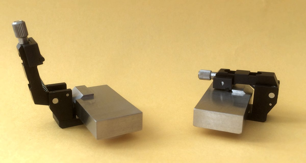 MD01/059 Left-hand and MD01/060 Right-hand Device Holders